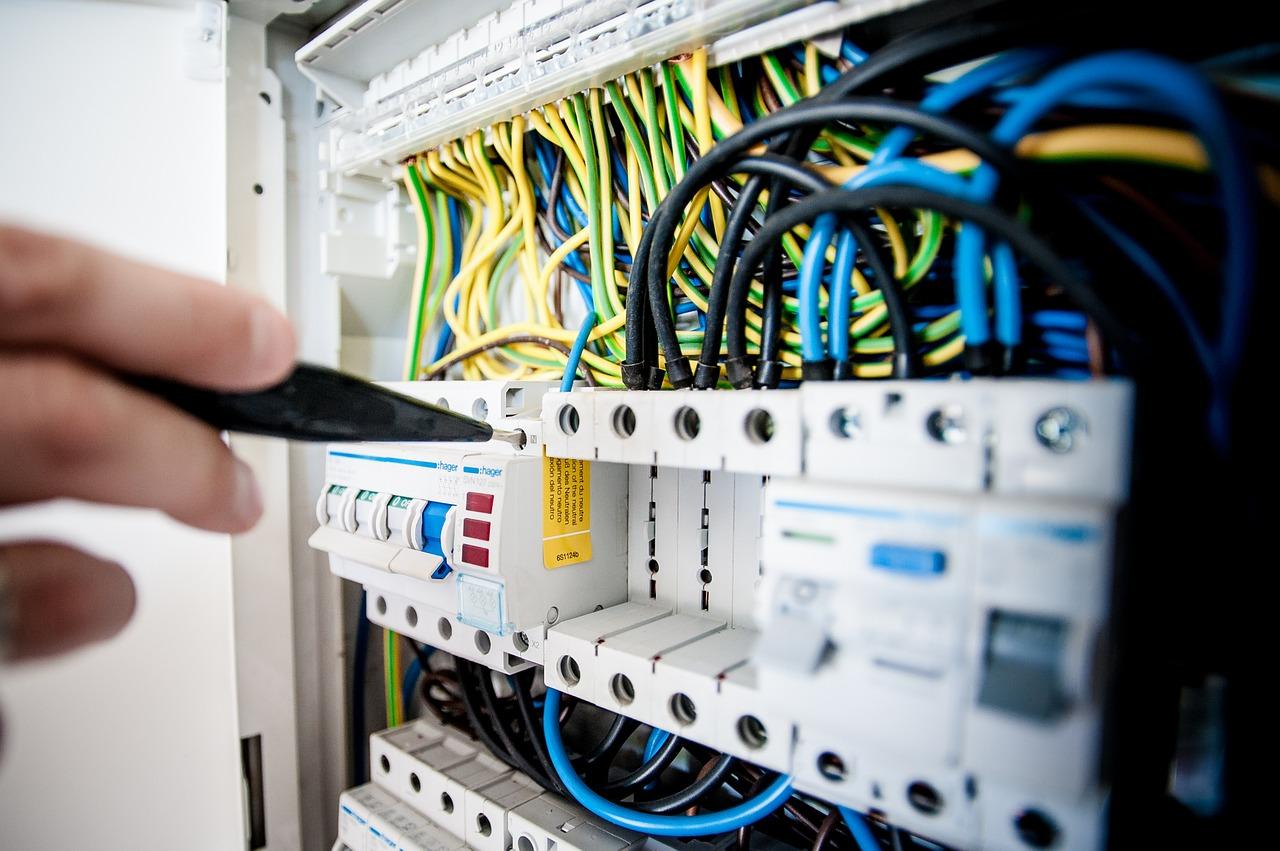Quelques conseils avant une mise aux normes de votre électricité